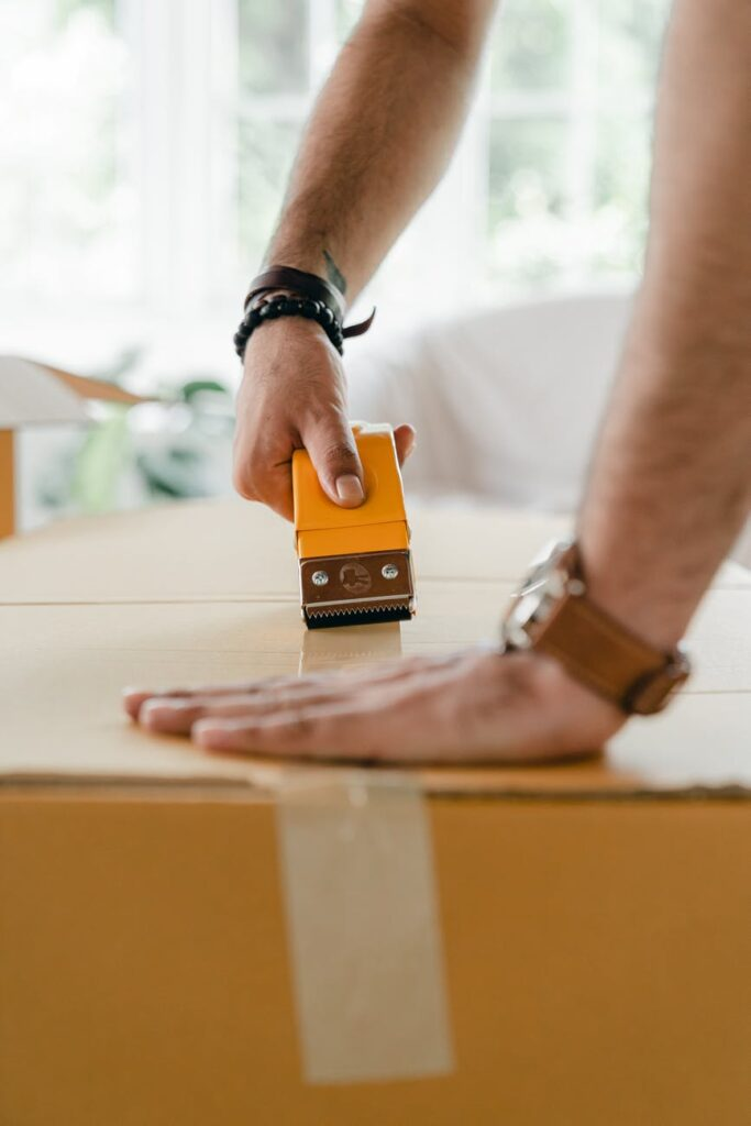 Benefits of hiring movers over DIY